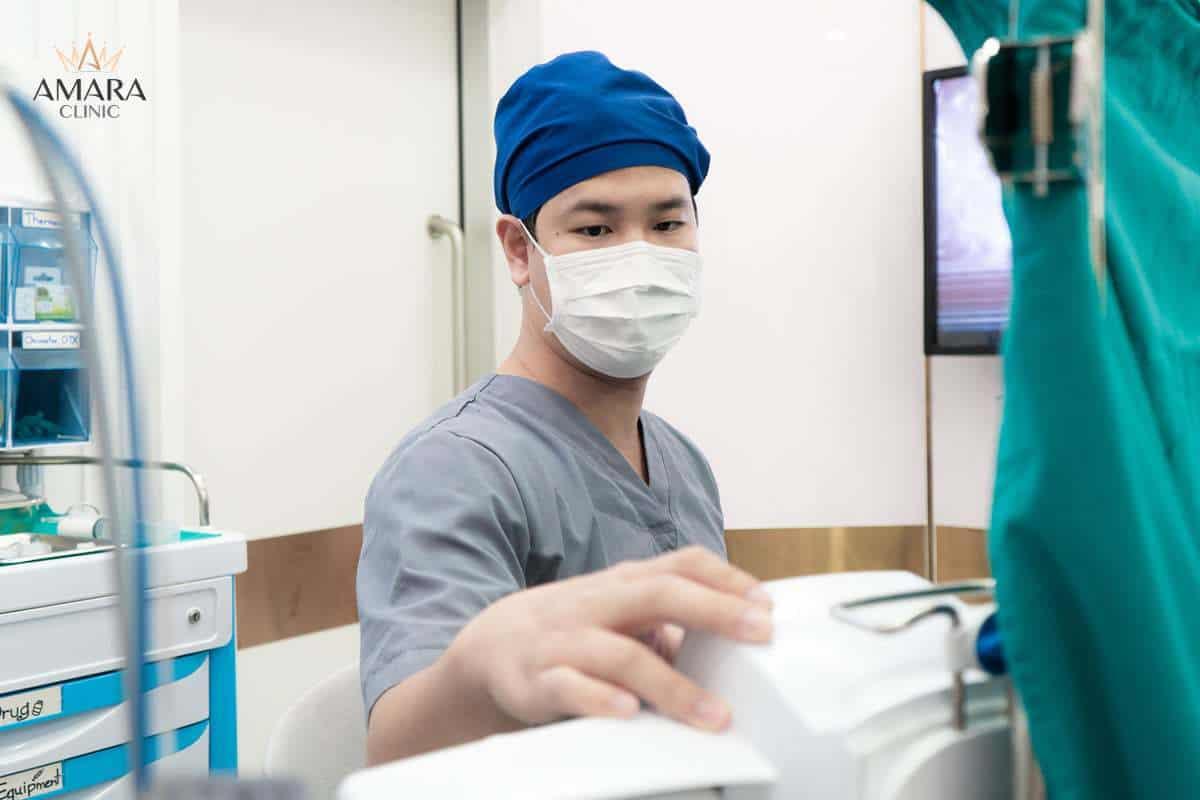 หมอโหน่ง Amara Clinic